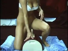 Blonde hussy rides the sybian giving blowjob and fucking Thumb