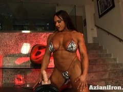 Huge fit Amber rides the Sybian Thumb