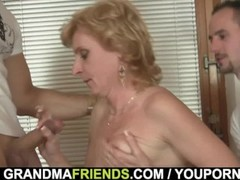 Sharing skinny old lady with small tits Thumb