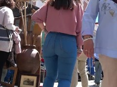 hot spanish booty in jeans GLUTEUS DIVINUS Thumb