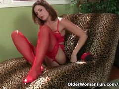 American milf Helena fills her holes with sex toys Thumb