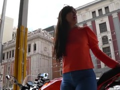 Spanish big ass in tight jean GLUTEUS DIVINUS sample video Thumb